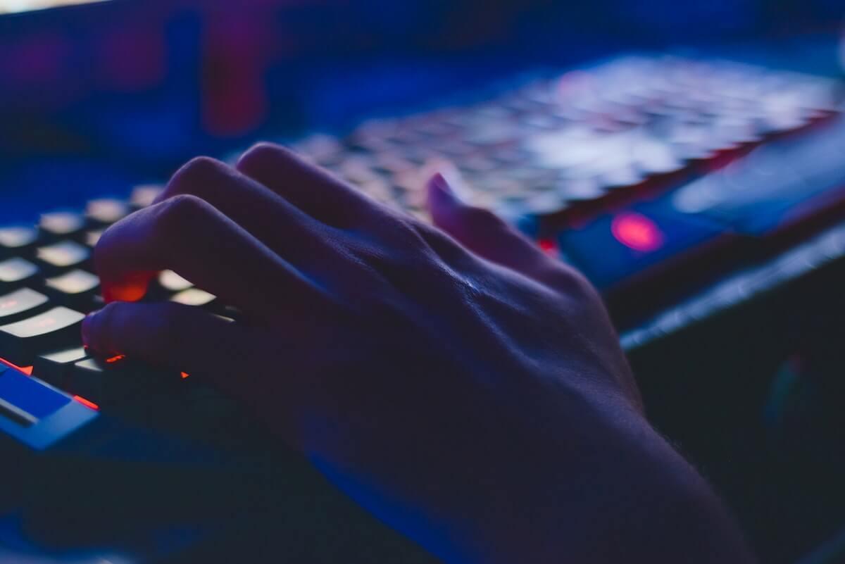 typing on keyword in the dark